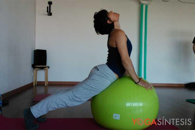Yoga_Pelota01
